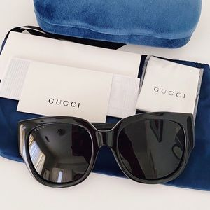 NWT Gucci Oversized Sunglasses, 55mm